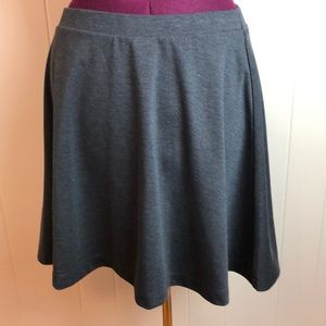 3/$27 Old Navy Grey Skater Skirt L
